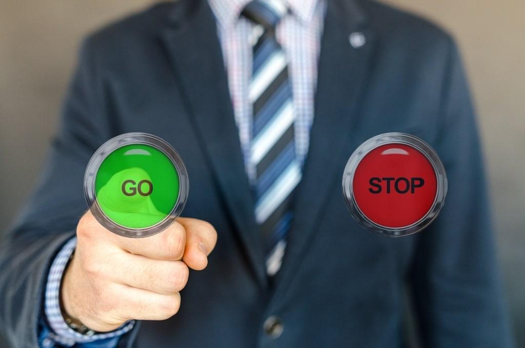 ¿Cuáles son las fases por las que pasa un cliente durante el proceso de venta? 3